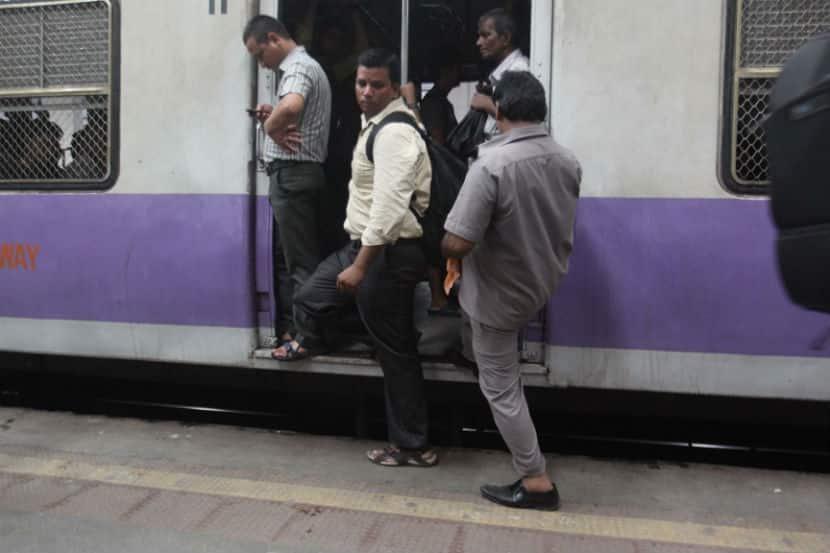Railway Budget 2016, #Rail Budget 2016, Suresh Prabhu, Indian Railway, Mumbai Local, Narendra Modi