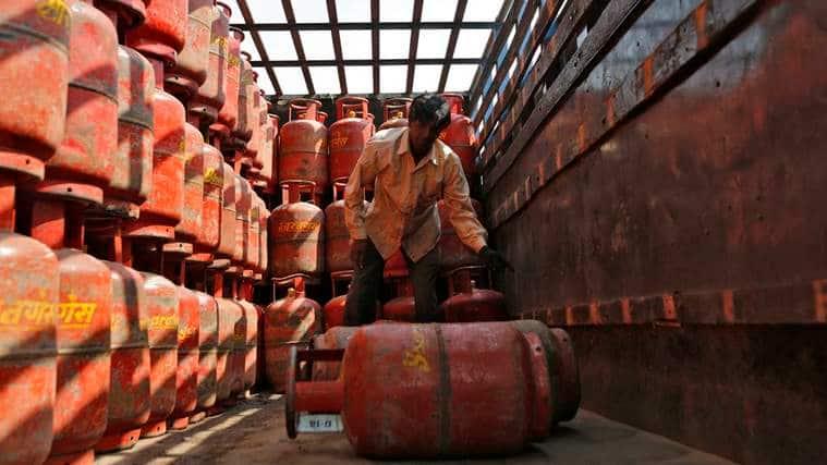 IOC pact for supplies until March 2022 , China , cooking gas supply , Nepal , Loksatta, Loksatta news, Marathi, Marathi news, online payment , Cashless, LPG cylinder , demonetisation , Loksatta, Loksatta news, Marathi, Marathi news