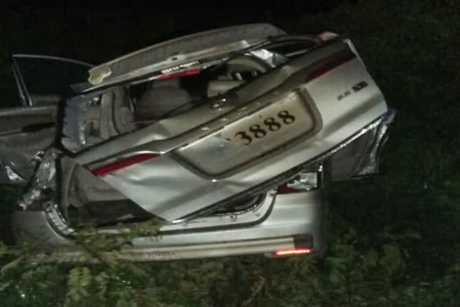 innova accident, pune mumbai highway, marathi news