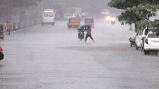 Strong monsoon arrives in Mumbai