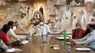 CM refuses visit over new agricultural laws Raju Shetty met Sharad Pawar
