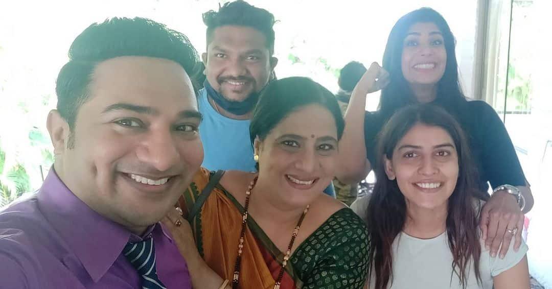 Yeu Kashi Tashi Me Nandayla Mohit fame Nikhil Raut wife Mayuri Raut