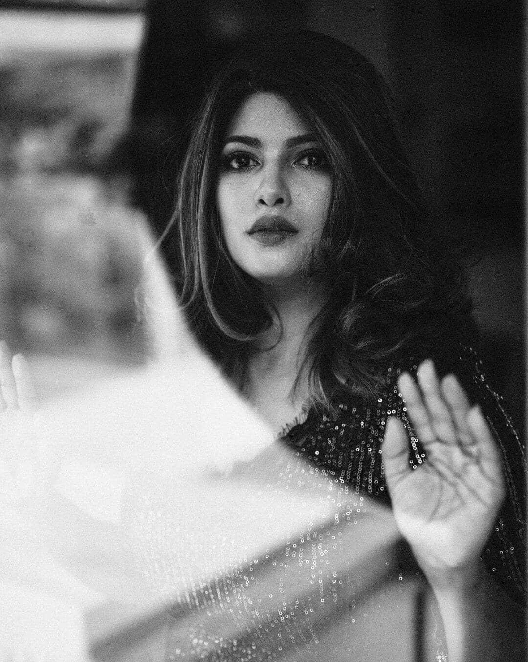 Dhanashri Kadgaonkar Bold Glamorous