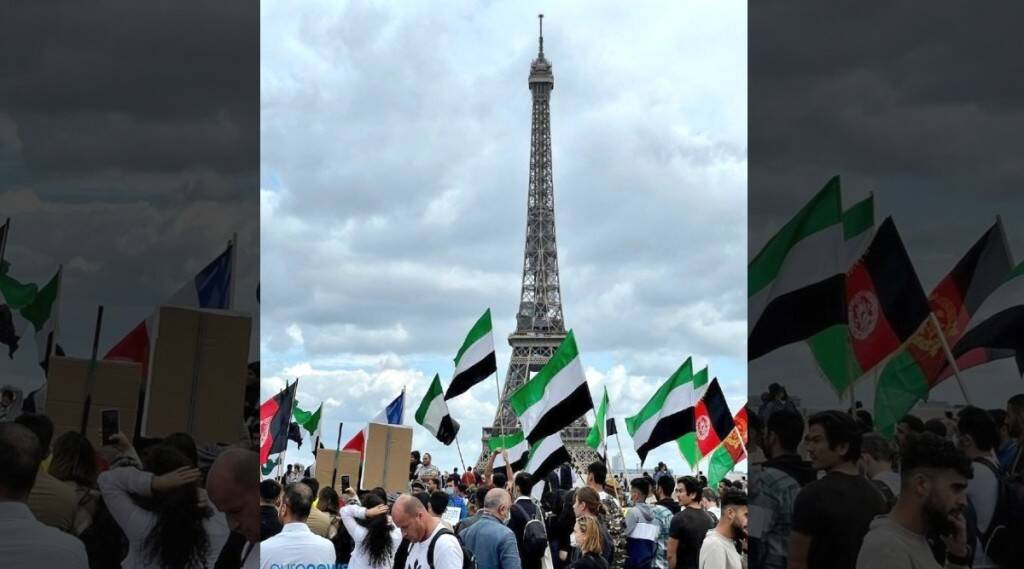 Northern Alliance Flags In Front Of Eiffel Tower