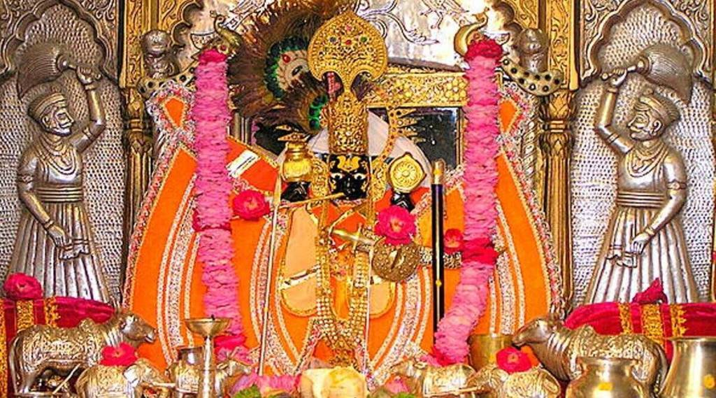 sanwaliya-seth-temple-flooded-with-dollar-rupee-jewellery-and-gold-biscuits