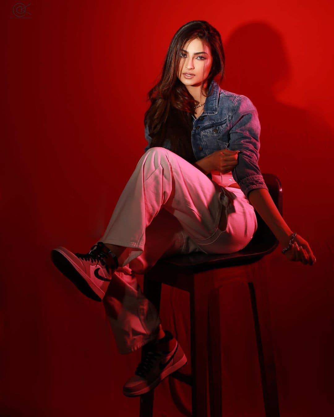 shweta-tiwari-daughter-palak-tiwari-bold-photo (1)