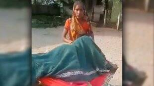 viral-video-woman-taken-to-hospital-on-cot-tied-to-bike