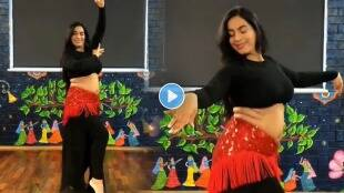 woman-performs-belly-dance-on-manike-mage-hithe